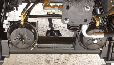Air_brakes_on_trailer_Zemaitukas_Mustang
